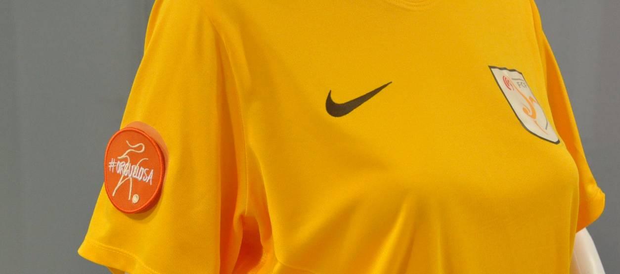 Les samarretes dels equips femenins lluiran brodats d'#Orgullosa