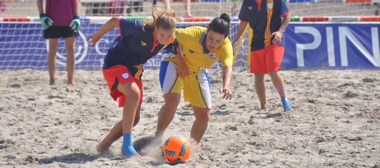 Quatre catalanes convocades amb la Selecció Espanyola Absoluta Femenina de futbol platja