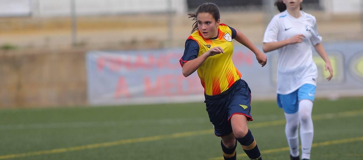 """Emma Martín: """"El futbol femení a Tarragona donarà un salt de qualitat gràcies al projecte #Orgullosa"""""""