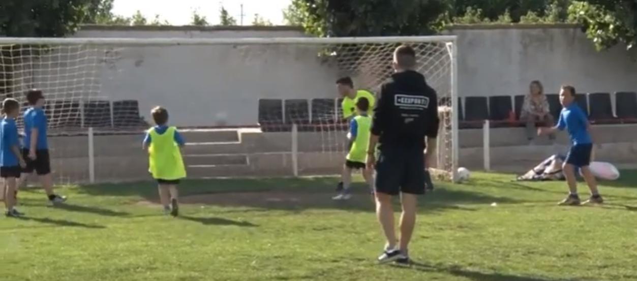 L'Escola de Futbol Intercomarcal avança en la seva formació educativa