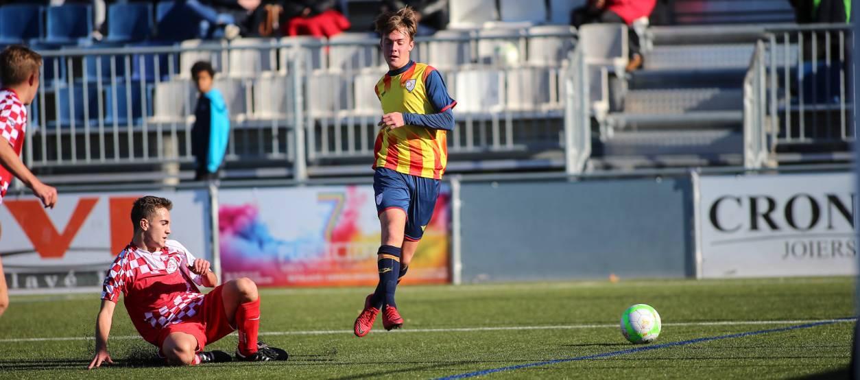 La sub 16 masculina debuta amb victòria davant Castella i Lleó