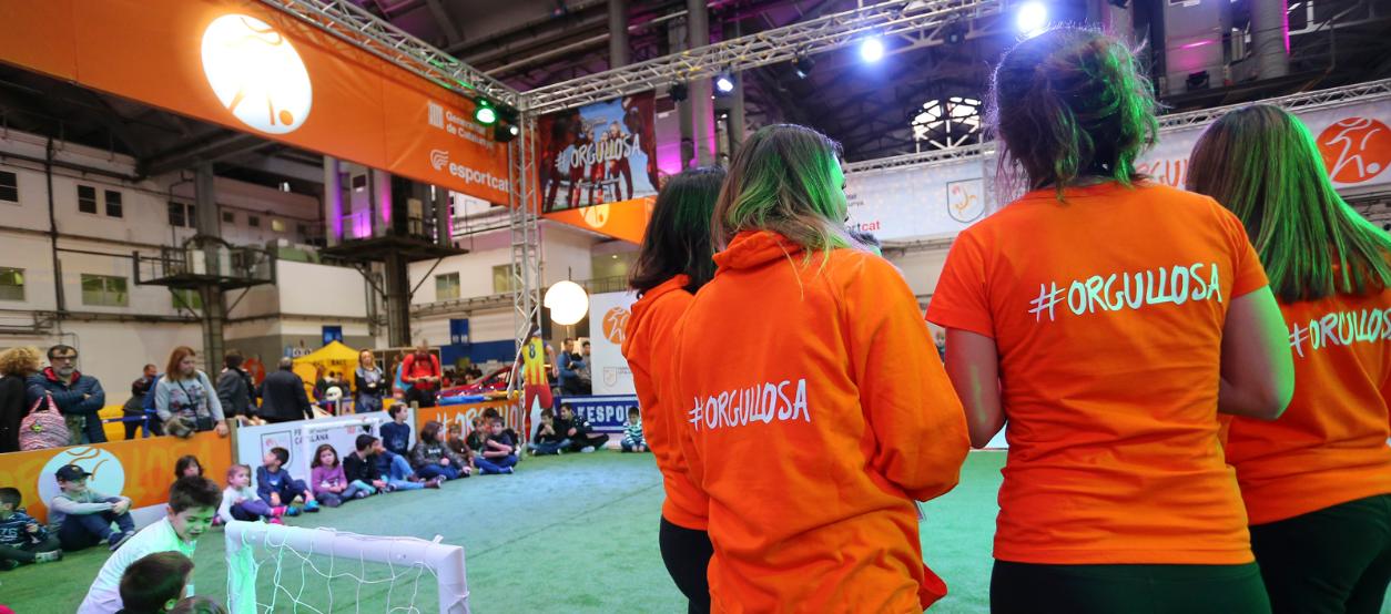 #Orgullosa atrau a jugadores, entrenadores i àrbitres de la Selecció Catalana a la Ciutat dels Somnis
