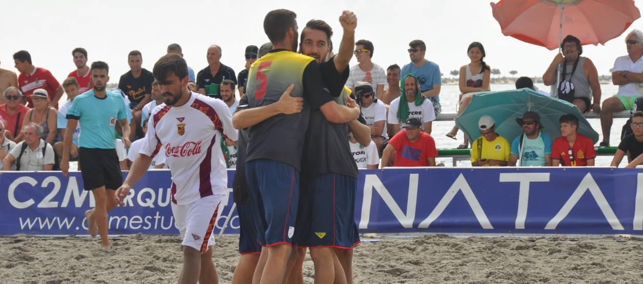 Tres jugadors del Platja Torredembarra CF, convocats amb la Selecció espanyola de futbol platja