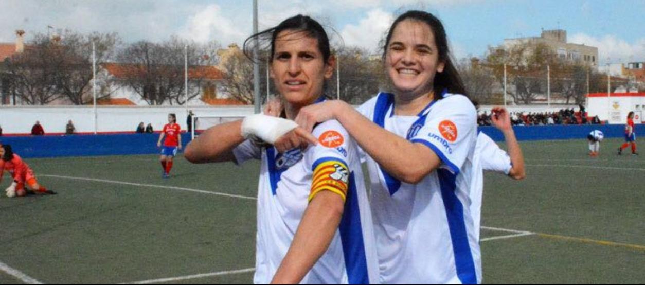 Les jugadores de futbol i futbol sala femení català, orgulloses d'#Orgullosa