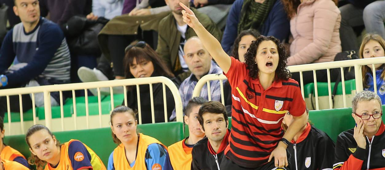 """Clàudia Pons: """"La sub 17 femenina és una selecció lluitadora i amb caràcter competitiu"""""""