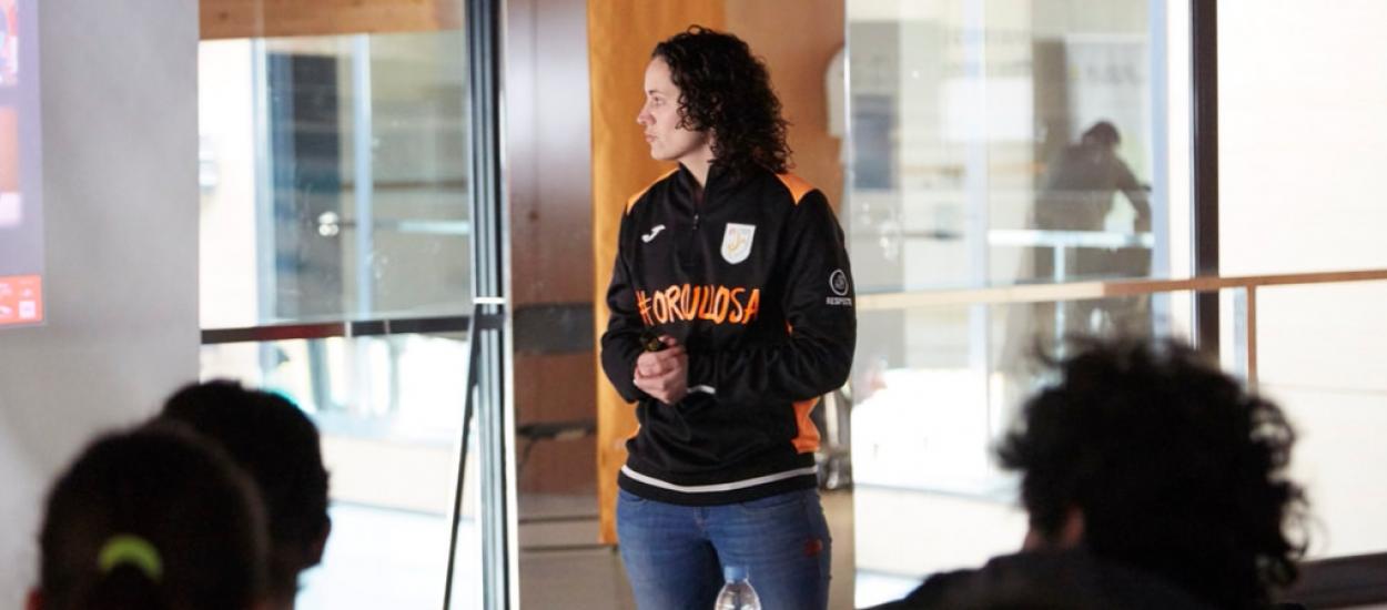 La seleccionadora Clàudia Pons parla sobre la dona en el futbol sala