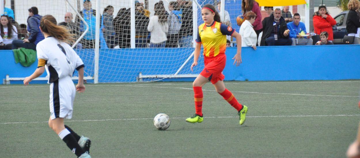 La falta d'encert penalitza la sub 12 femenina davant València