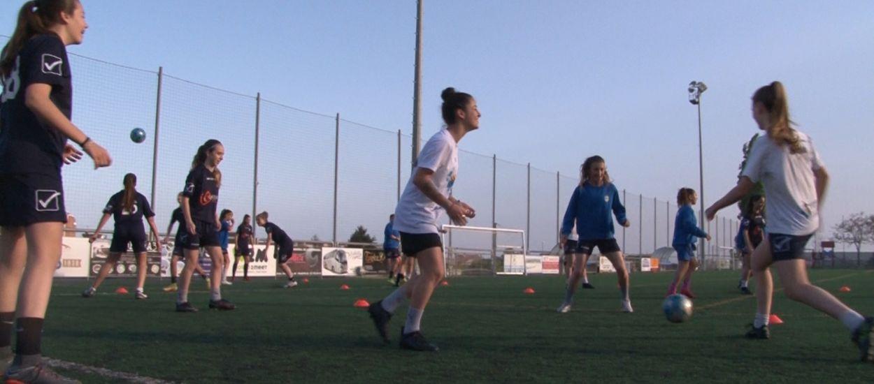 L'AE Santa Susanna, un lustre de dedicació i entrega al futbol femení