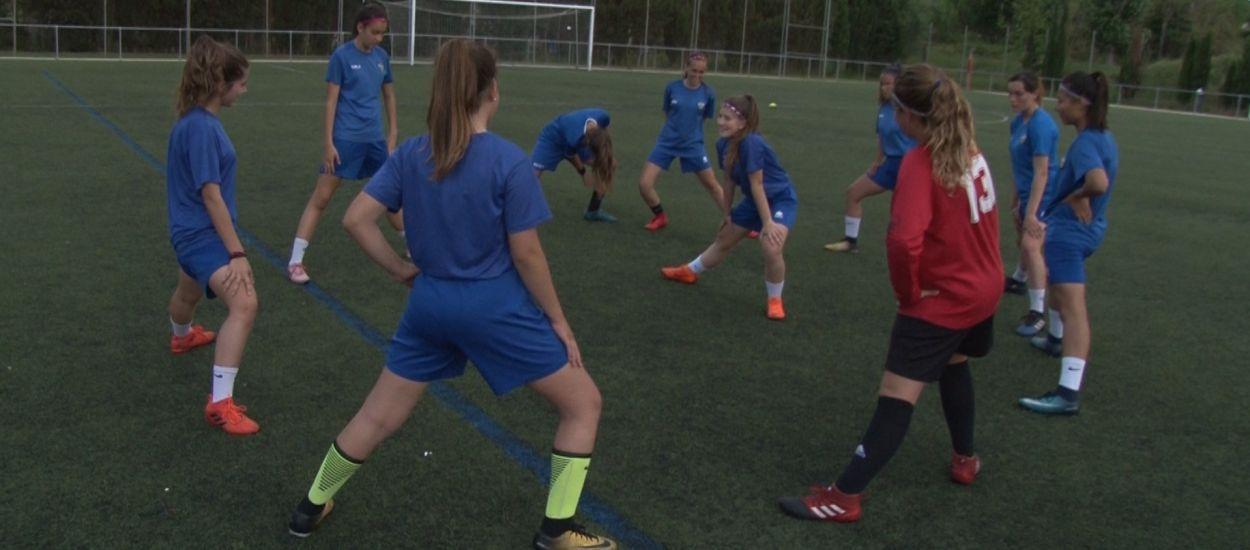El CE Anoia, tres anys treballant pel creixement del futbol femení