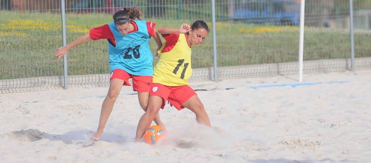 Les Seleccions Sènior de futbol platja es posen en marxa