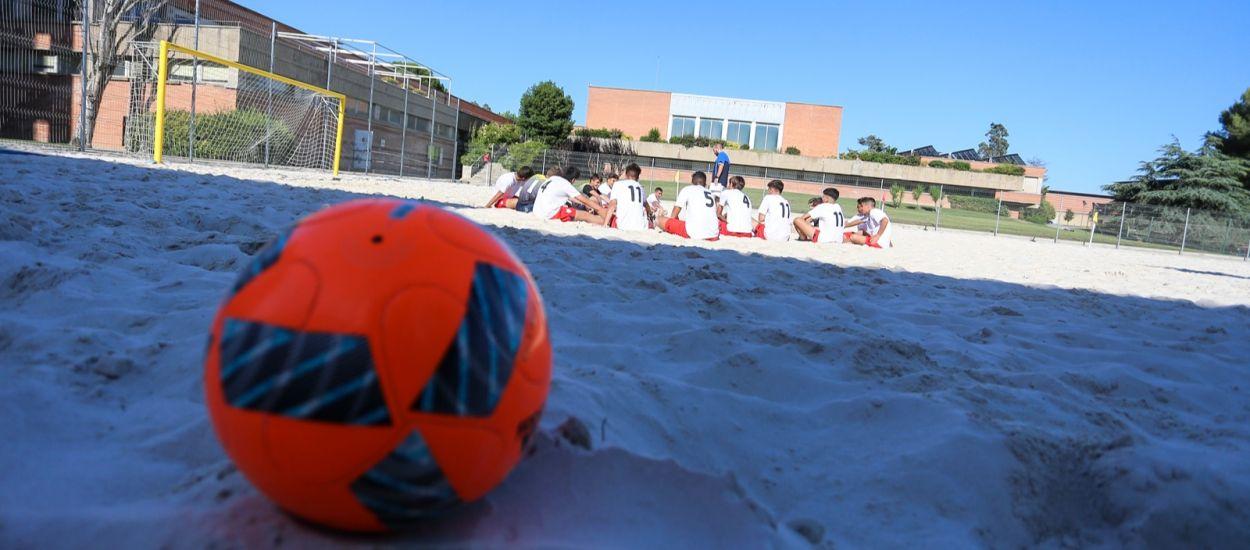 Catalunya competirà en tres categories en el Campionat de futbol platja de Cadis