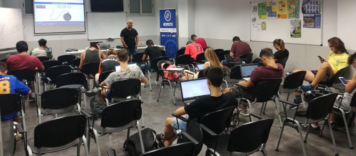 Conclou el segon i últim torn del Curs d'Àrbitres de Futbol Sala amb l'examen online