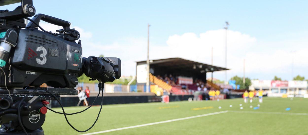 La Primera Divisió femenina de futbol i futbol sala, per televisió