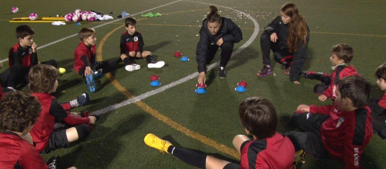 El Sant Cugat FC Academy Football in English engega un projecte pioner que uneix futbol i anglès