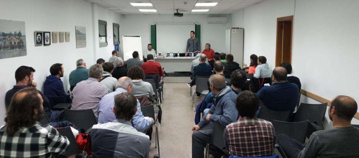 El CTE i l'Escola d'Entrenadors imparteixen una sessió a Girona