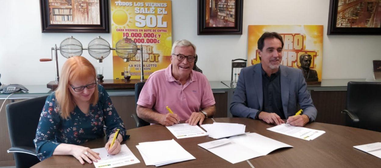 La Fundació Catalana de Futbol signa un conveni amb l'ONCE