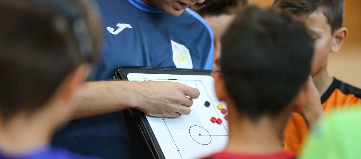 Convocatòria oberta pels primers cursos de Monitor i Coordinador de Futbol Sala de la temporada