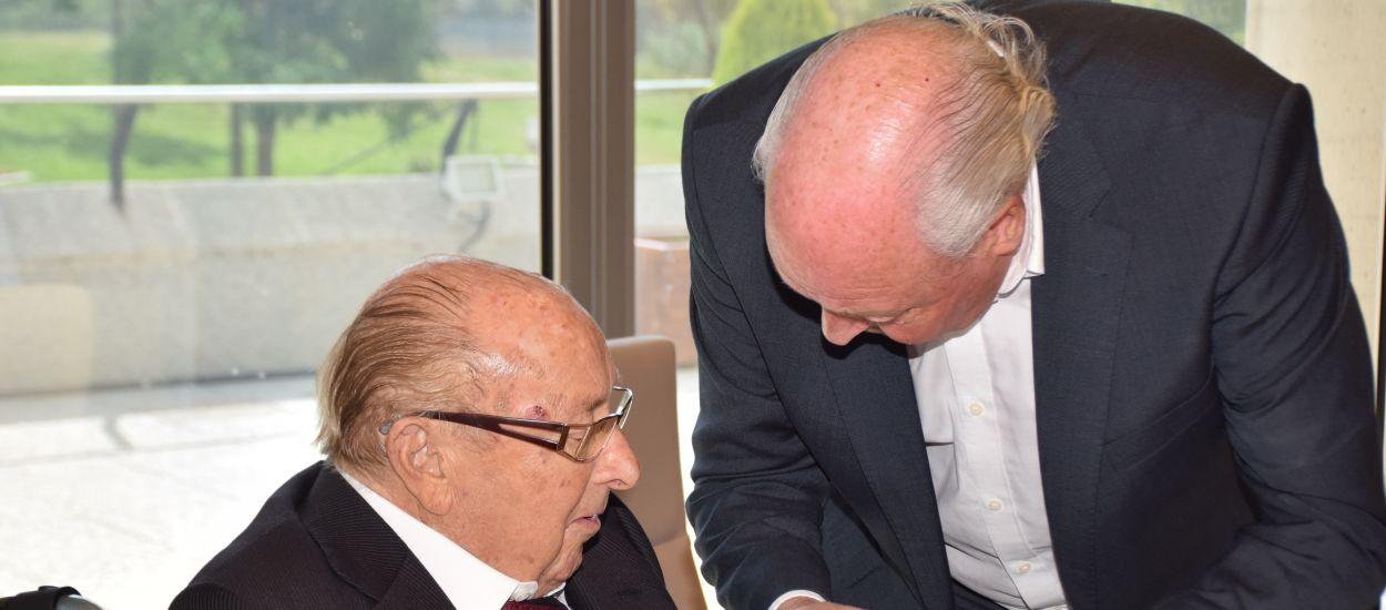 El president de l'FCF homenatja al president honorífic del Terrassa FC