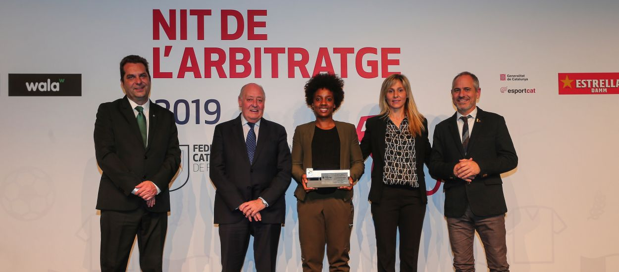 Premiats els àrbitres i assistents de futbol i futbol sala catalans