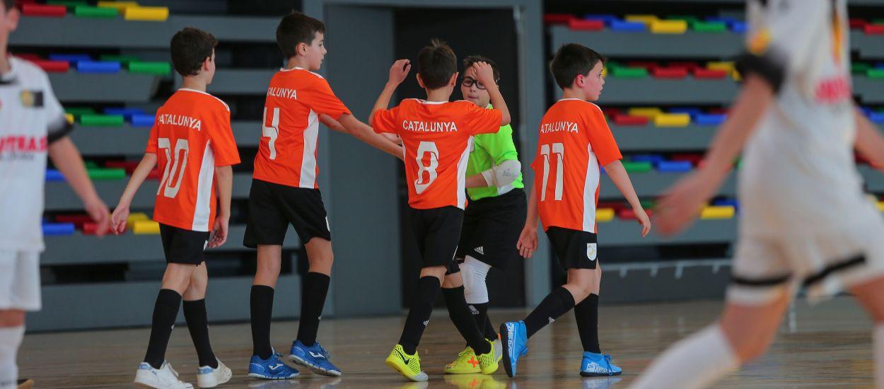 La Selecció Catalana Benjamí de futbol sala cau davant l'Industrias Santa Coloma en el primer amistós de la temporada