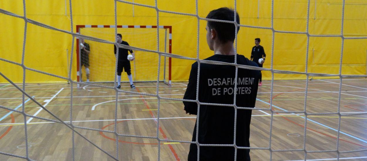 Els porters de futbol sala s'exhibeixen amb el Desafiament de Porters de Vidreres