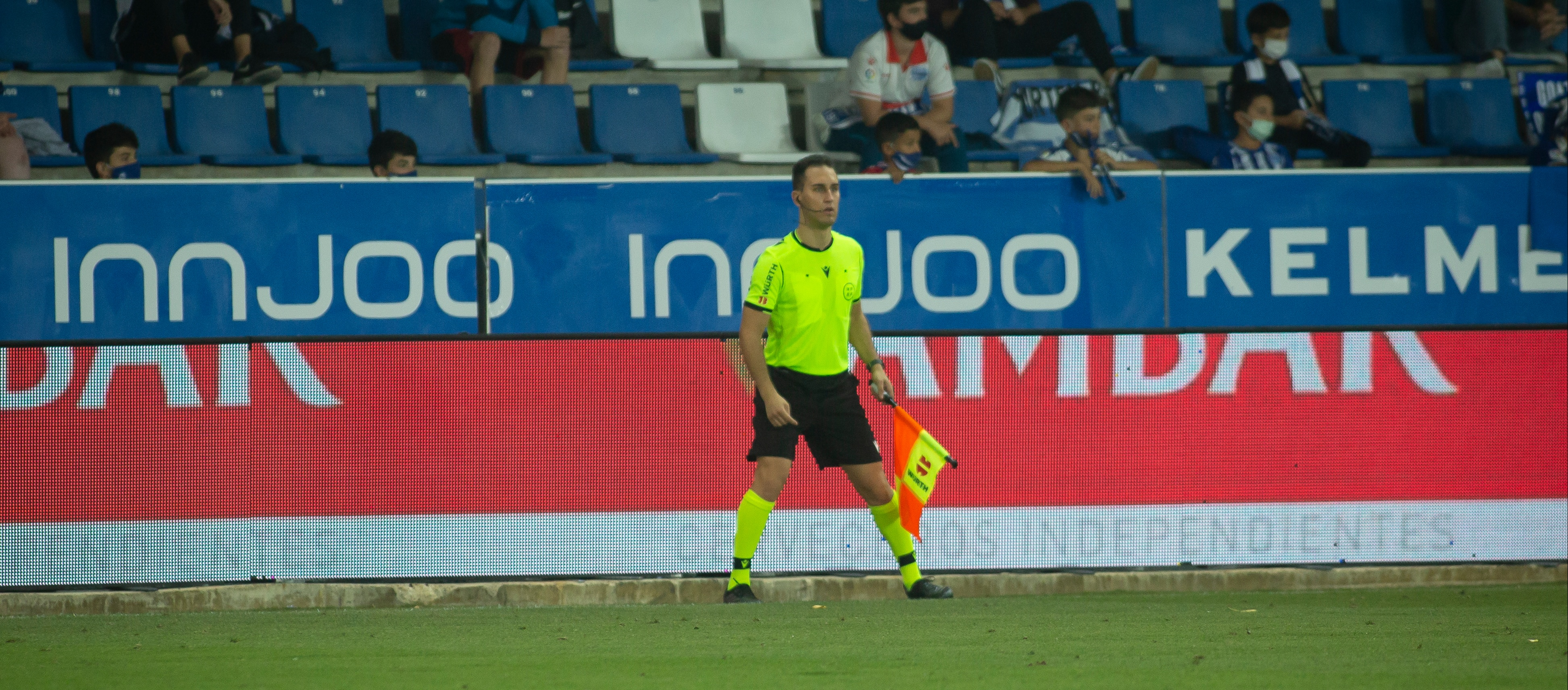 Julián Villaseñor debuta com a assistent a la Primera Divisió