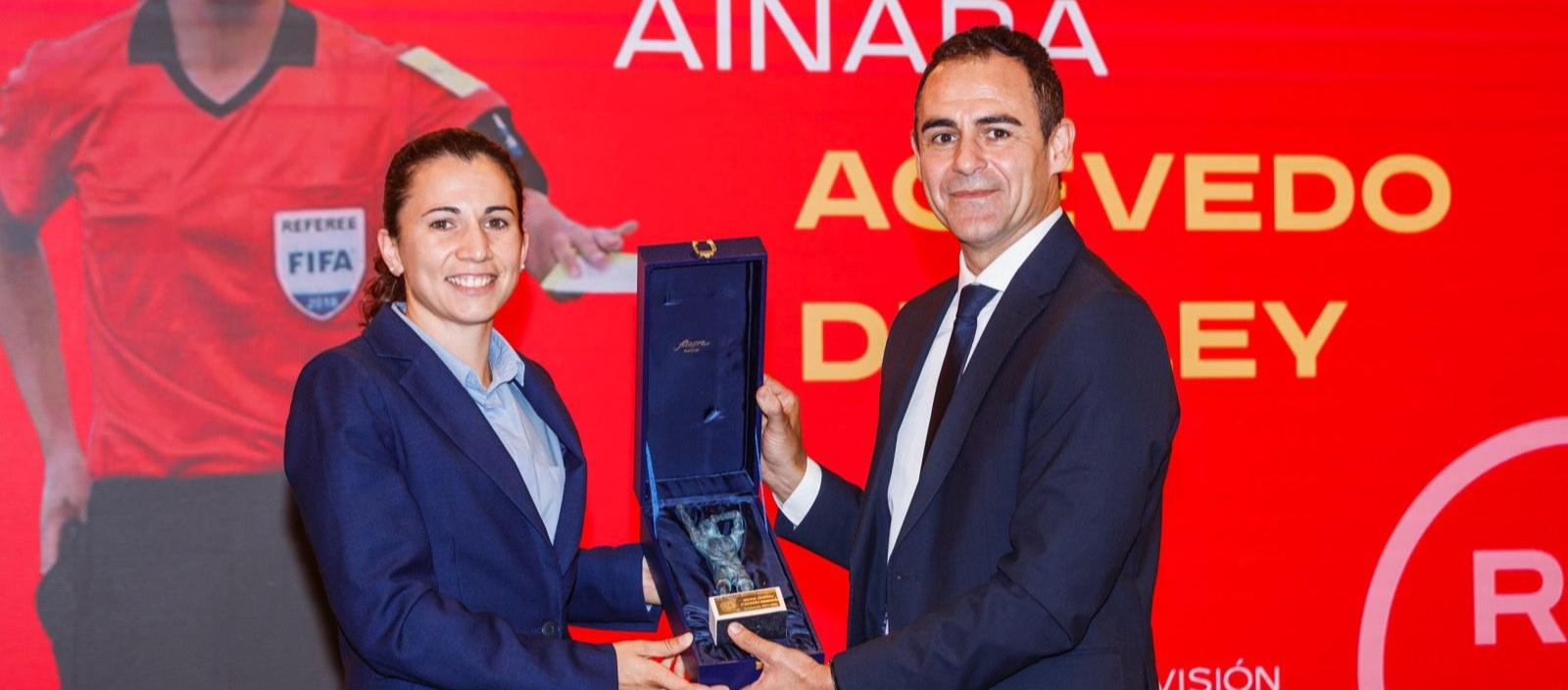 Ainara Acevedo i Matilde Esteves reben els premis Vicente Acevedo