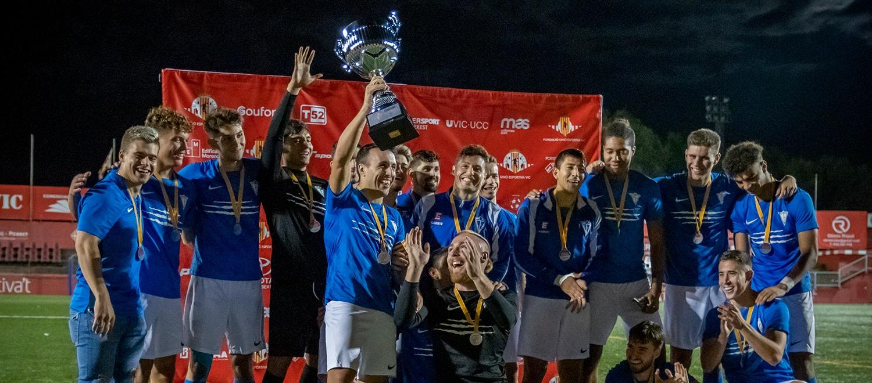 El CF Igualada, campió de la 1a edició del Trofeu Centenari de la UE Vic