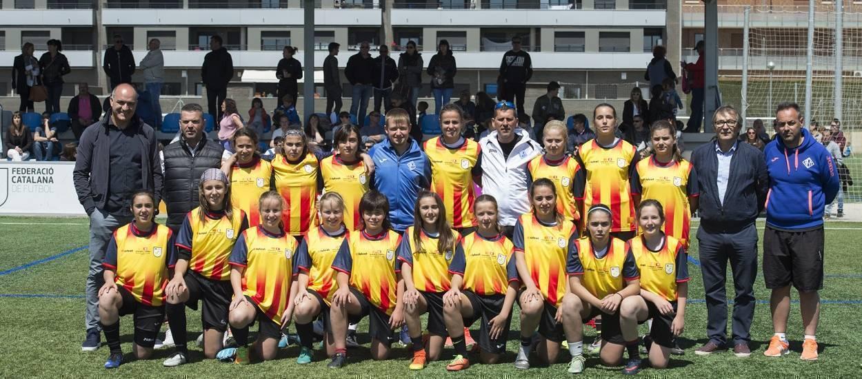 L'AEM Infantil rep un homenatge a la Jornada de Futbol Femení