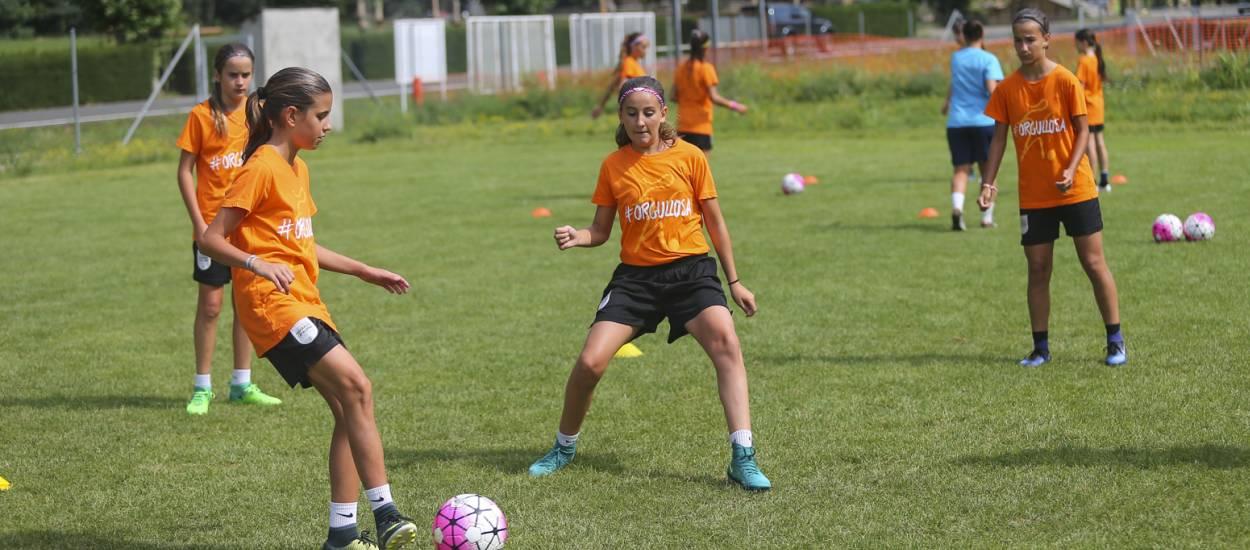 Arrenca el segon torn del Campus de Futbol Femení de Rialp