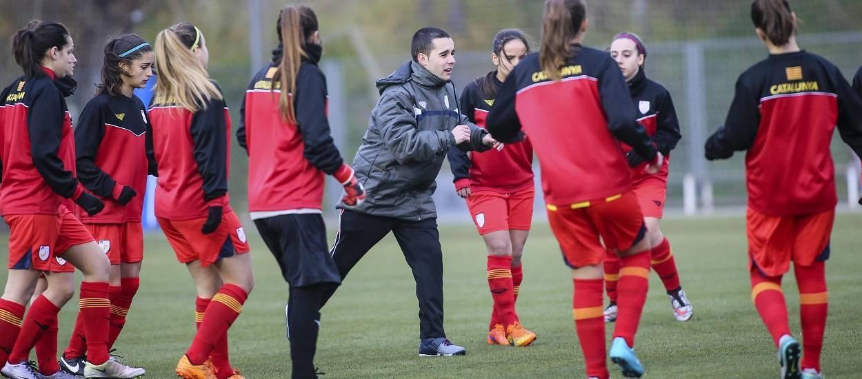 La FCF engega un nou curs en línia especialitzat en el futbol femení
