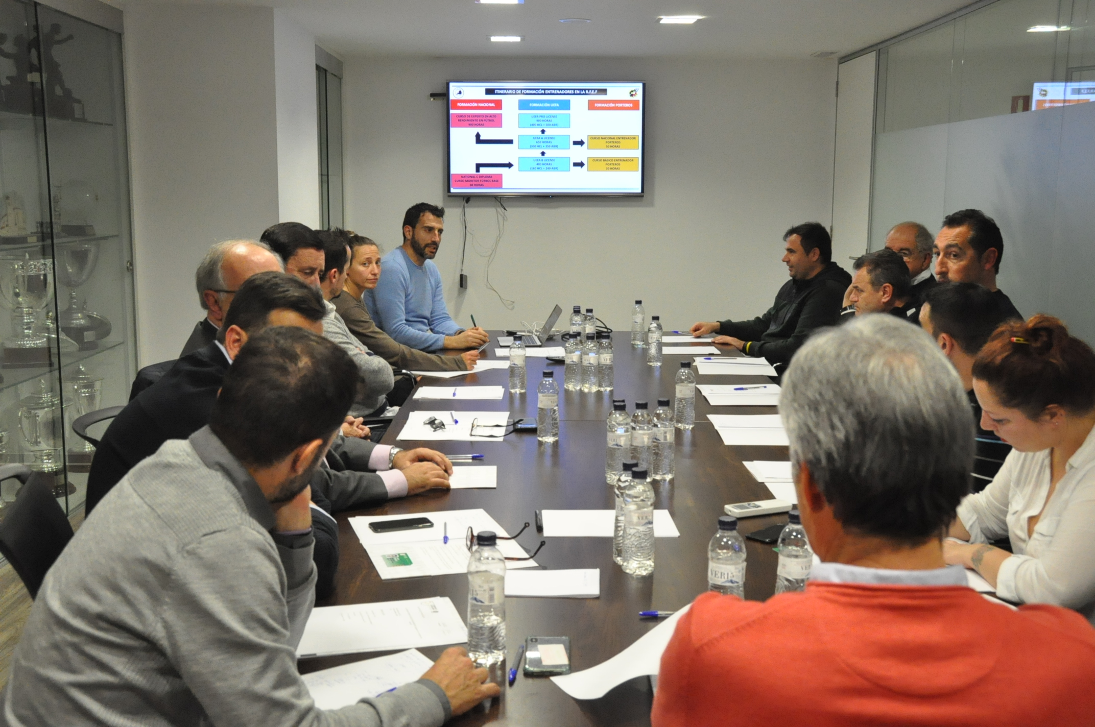 La trobada s'ha celebrat a la seu central de l'FCF