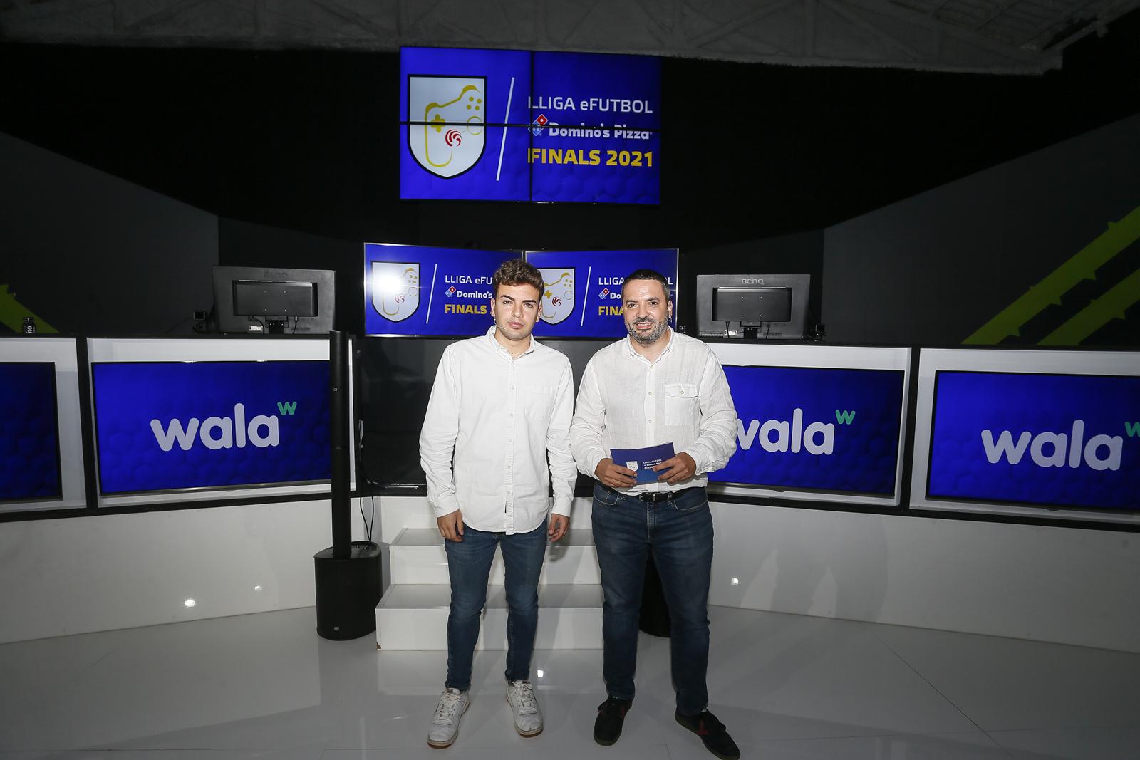 Dani Vigara i Carles Fité comentaran els partits.