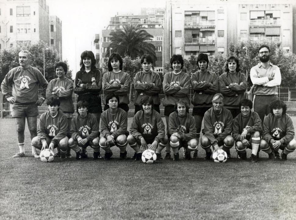 Les futbolistes, en un dels entrenaments previs al campionat / FOTO: Arxiu Juan Antonio Orenes