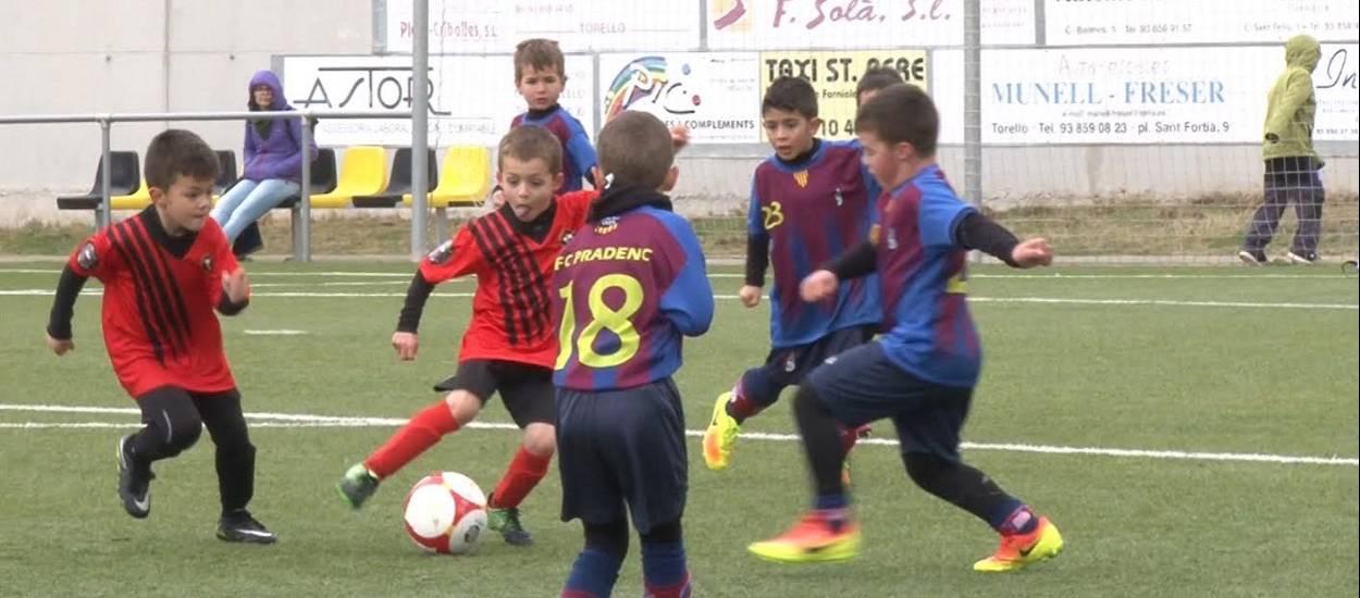 El CF Torelló, un club centenari que treballa per consolidar-se
