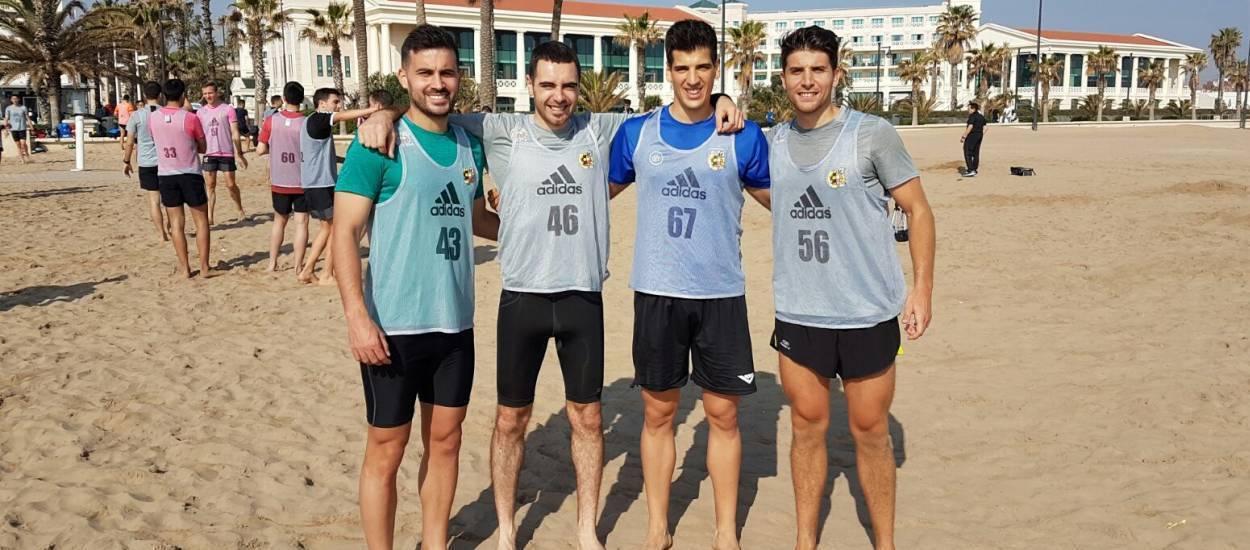 Els àrbitres nacionals de futbol platja superen les proves físiques