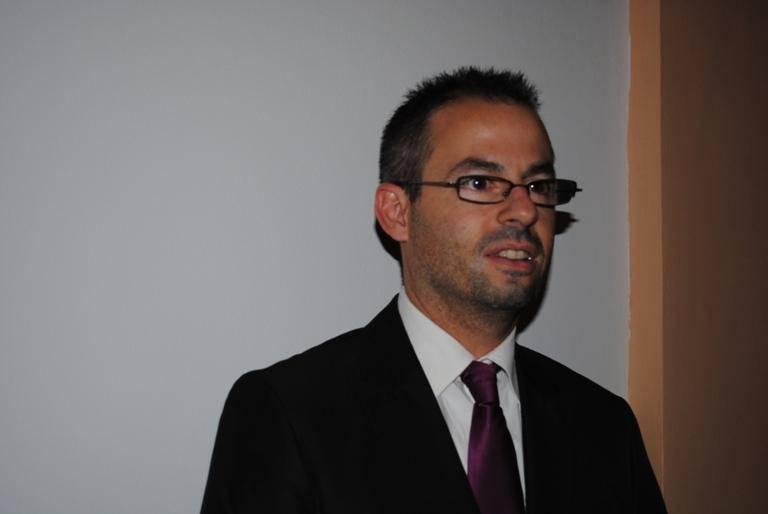 R. Marcial: